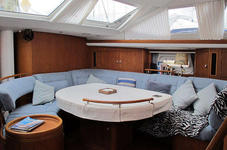 Saloon on Oyster 62 Dorado