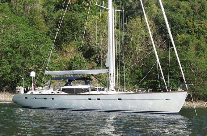 oyster-82-zif-zag-moored-670x441