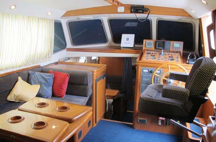 Aqua-Star Ocean Star 118 saloon looking aft