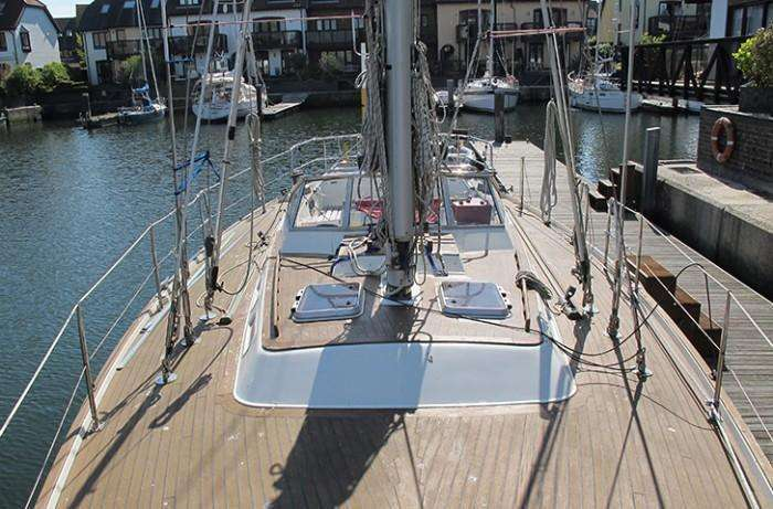 Contest 43 deck looking aft