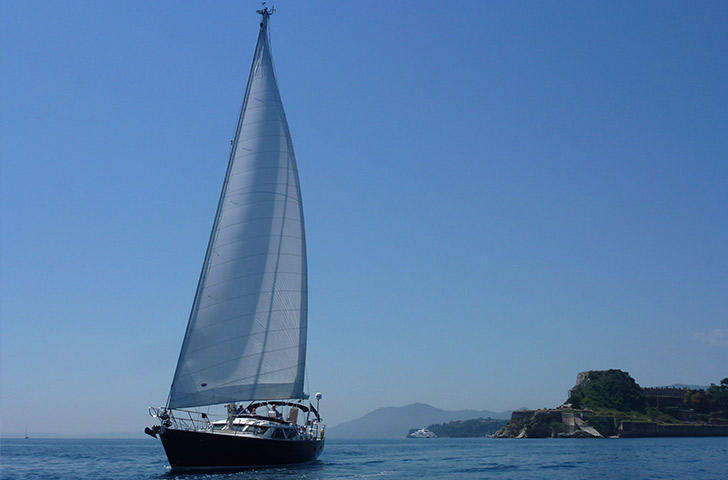 Discovery 55 for sale - Sailing yacht