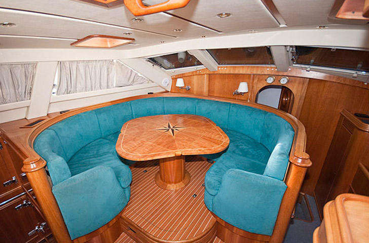 Saloon Discovery 55