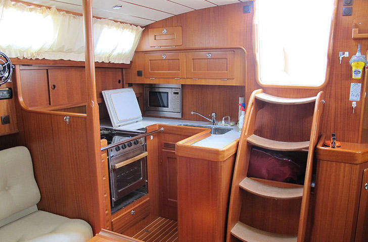 Hallberg-Rassy 48 Galley