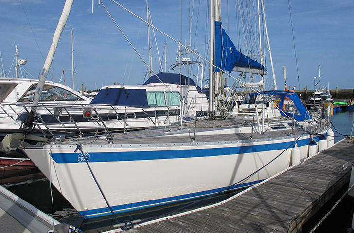 Sweden Yachts 390 for sale Berthon International