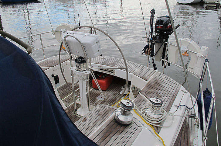 Sweden Yachts 45 cockpit and helm position