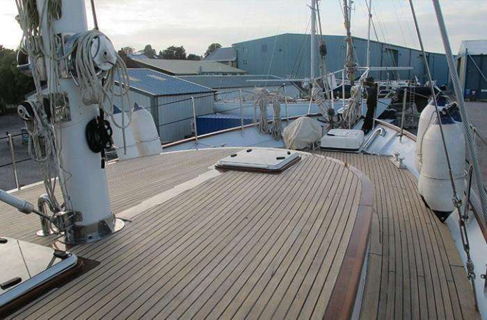 TRICIANA Porsius Ketch deck view