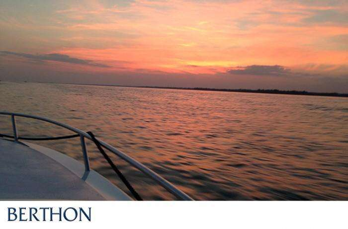 Returning to Berthon from the PS P Southampton Boat Show - Windy Boats UK