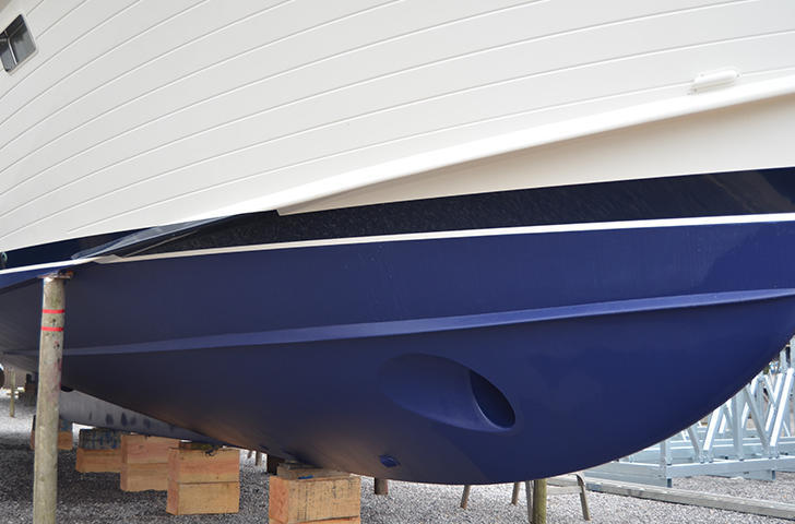 Motor Yacht Antifoul application at Berthon
