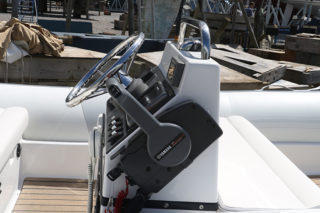 Novurania 4.3M - Velsheda JK7 RIB new throttle