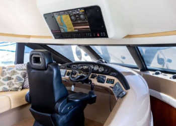 Carver 530 Voyager Pilothouse 12