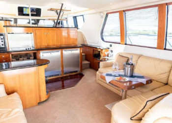 Carver 530 Voyager Pilothouse 16