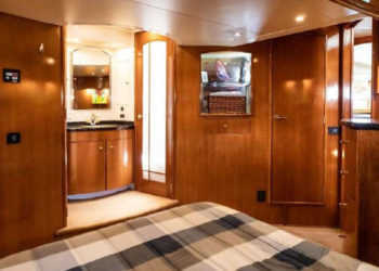 Carver 530 Voyager Pilothouse 37
