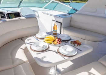 Carver 530 Voyager Pilothouse 52