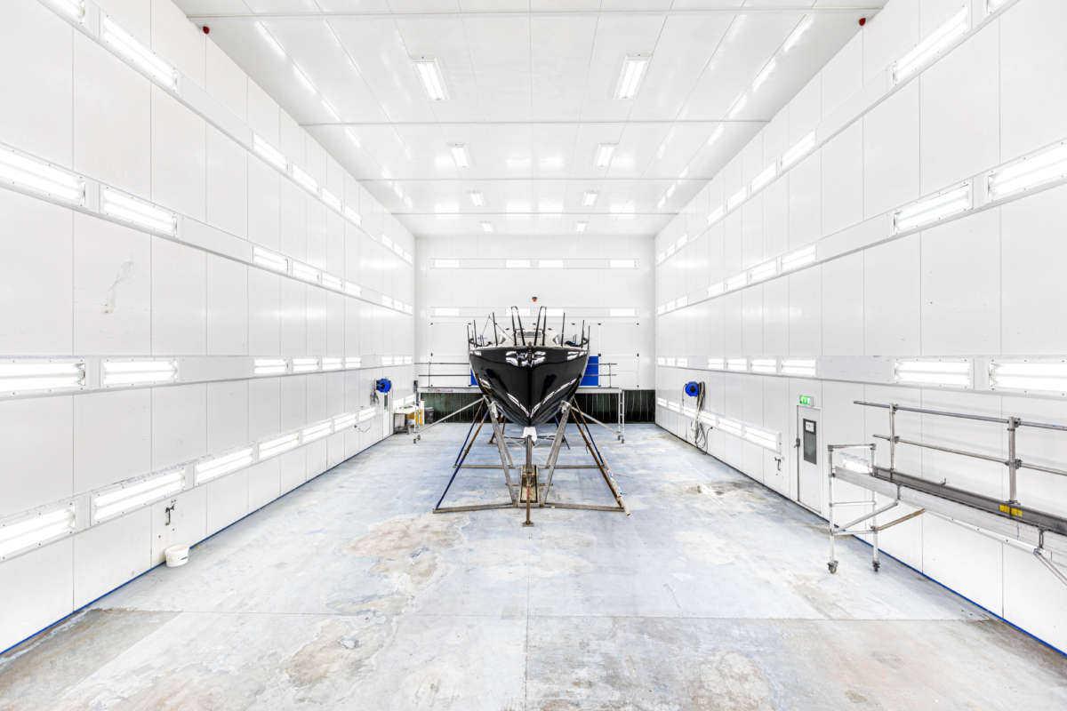 Berthon Boat Company, World Class Painting - Kerr 33 Acheron