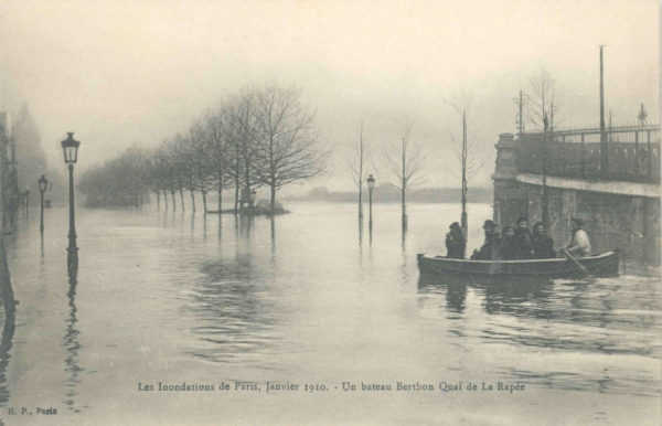 Berthon Collapsible Lifeboat being used during the Paris flood of 1910