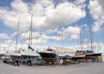 Yachts on hard storage